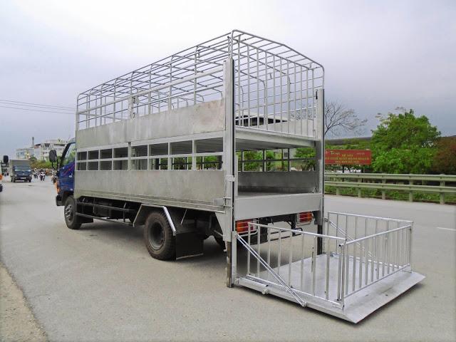 xe chở lợn 2 tầng hyundai hd120s 8.5 tấn