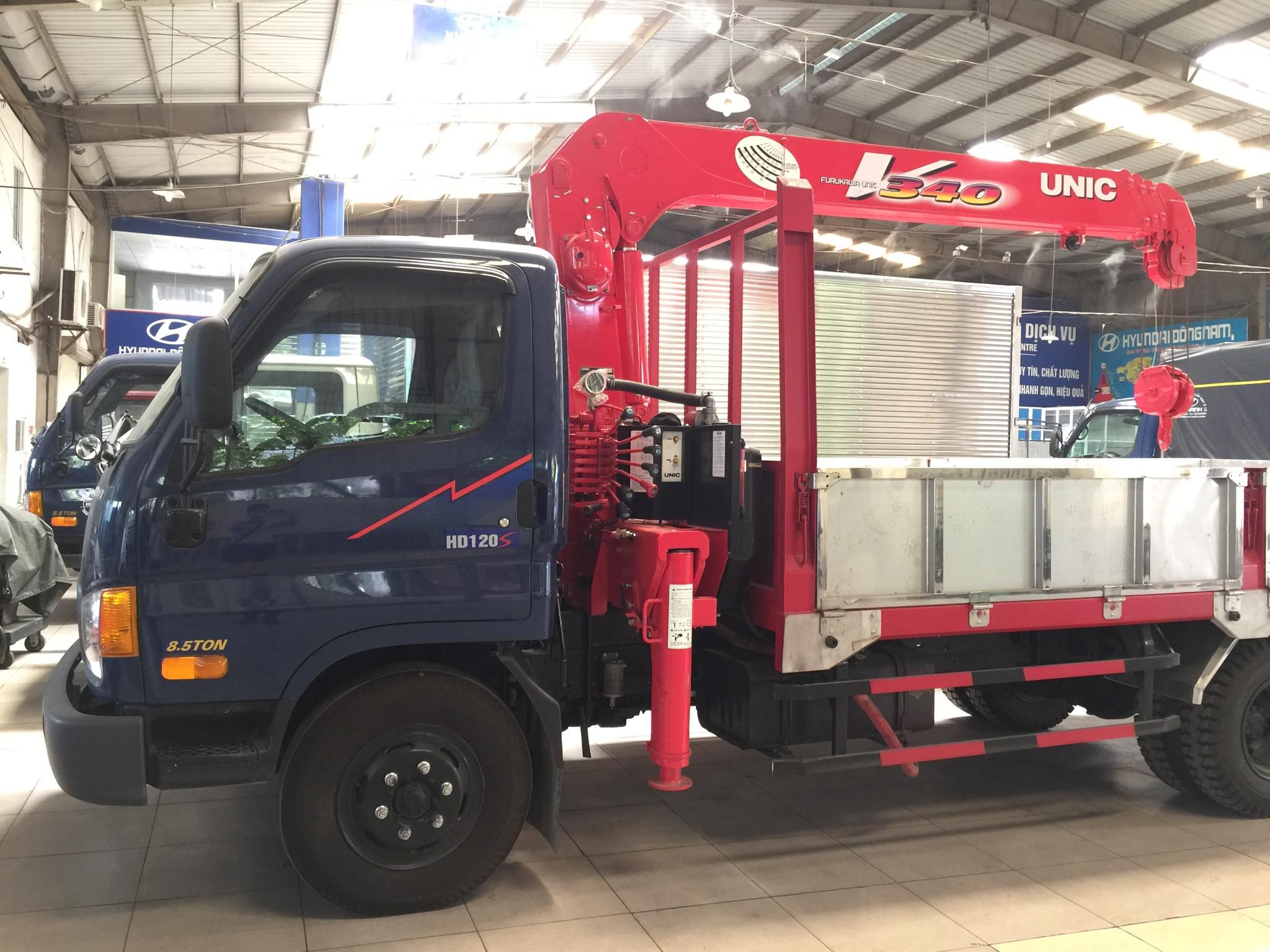 xe tải gắn cẩu hyundai hd120s 8.5 tấn