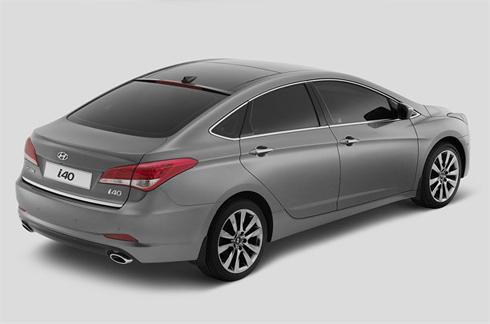 Thiết kế theo phong cách coupe 4 cửa với mui kéo dài xuống phía đuôi.
